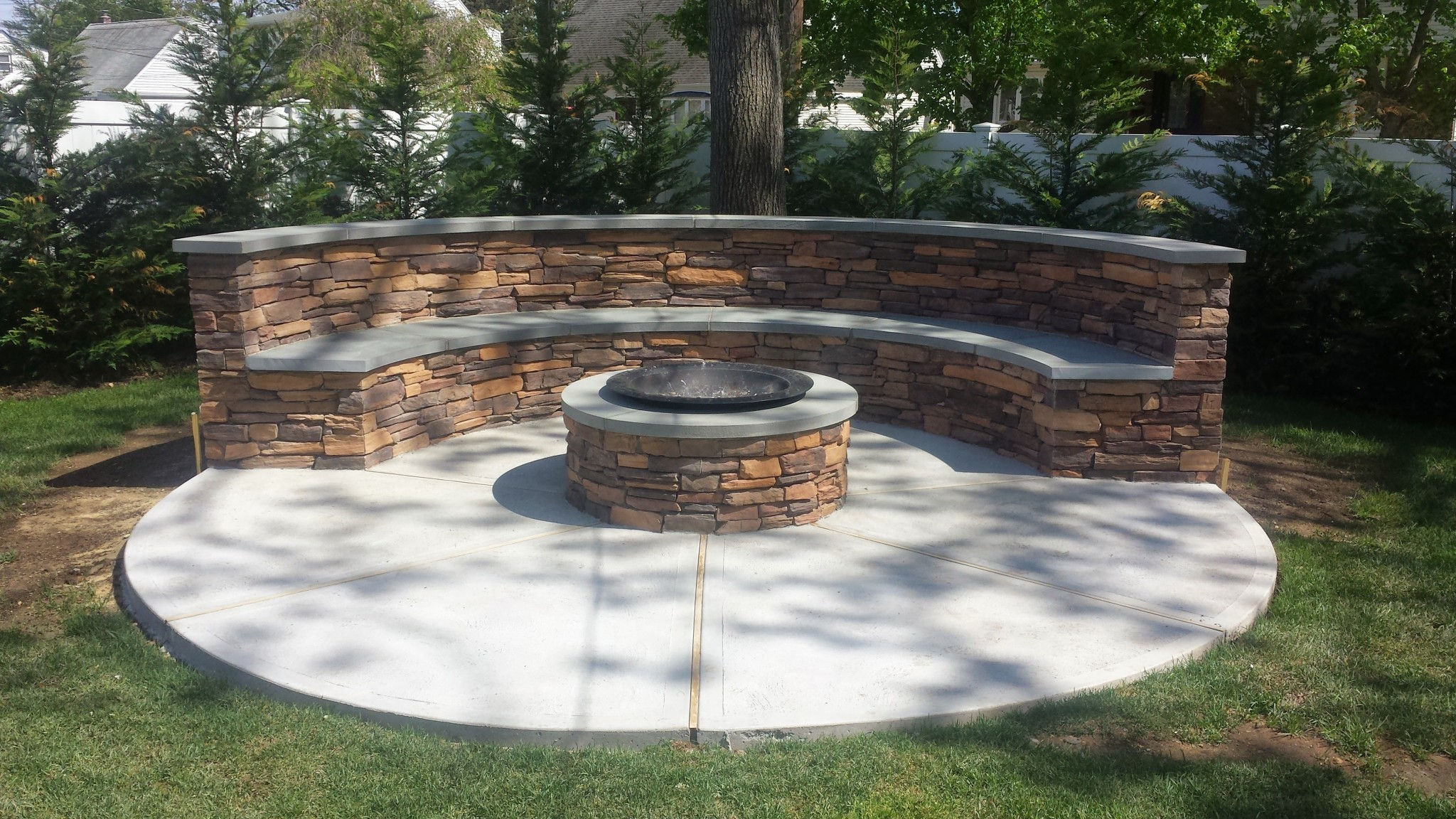 BENCH FIREPIT PLETE WITH CUSTOM BLUE STONE Ceraso Masonry